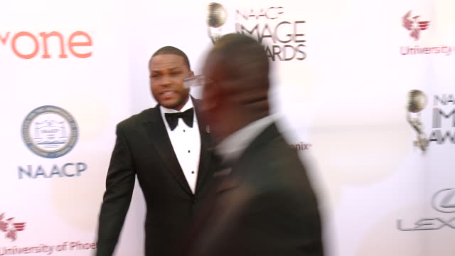 stockvideo's en b-roll-footage met anthony anderson at the 46th annual naacp image awards arrivals at pasadena civic auditorium on february 06 2015 in pasadena california - pasadena civic auditorium