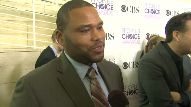 anthony anderson on being a part of the people's choice awards at people's choice awards 2013 nominations press conference in beverly hills, ca, on... - anthony anderson stock videos & royalty-free footage