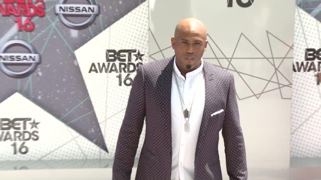 vídeos de stock e filmes b-roll de anthony brown at 2016 bet awards in los angeles ca - bet awards