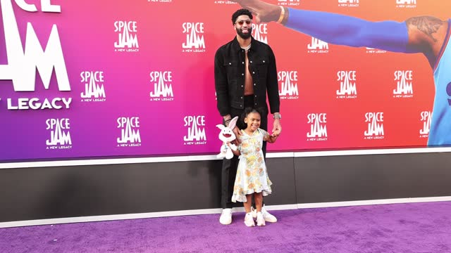 """anthony davis attends the premiere of warner bros """"space jam: a new legacy"""" at regal live on july 12, 2021 in los angeles, california. - space jam stock videos & royalty-free footage"""