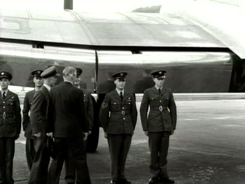 Anthony Eden shakes hand with the crew of the aircraft at London Airport 1954