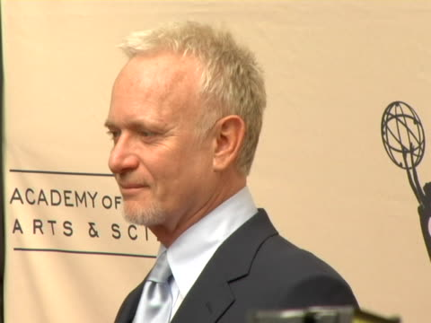 stockvideo's en b-roll-footage met anthony geary at the 33rd annual daytime creative arts emmy awards at the grand ballroom in hollywood california - anthony geary