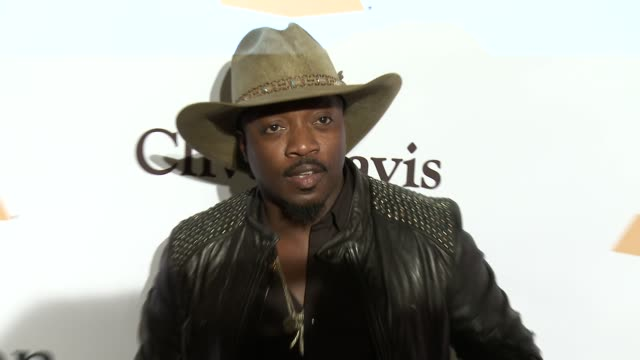 stockvideo's en b-roll-footage met anthony hamilton at the 2016 pregrammy gala and salute to industry icons honoring irving azoff at the beverly hilton hotel on february 14 2016 in... - irving azoff