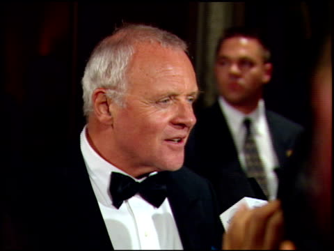 vidéos et rushes de anthony hopkins at the 1999 academy awards miramax party at the beverly hilton in beverly hills california on march 31 1999 - anthony hopkins