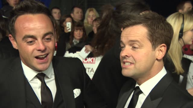 stockvideo's en b-roll-footage met interview anthony mcpartlin declan donnelly on the 'best judge' category comparing simon cowell to mary berry if david walliams won at the national... - declan donnelly