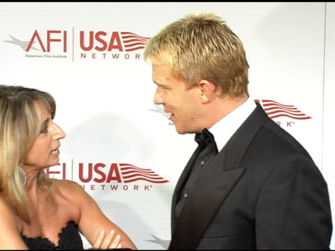 vídeos de stock, filmes e b-roll de anthony michael hall at the 33rd afi life achievement award 'a tribute to george lucas' at the kodak theatre in hollywood california on june 9 2005 - anthony michael hall