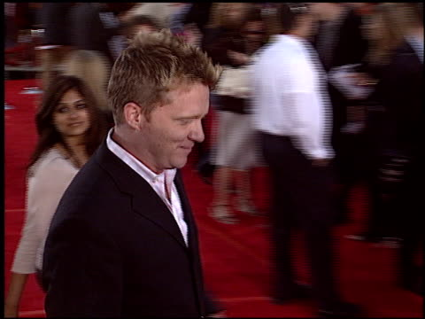 vídeos de stock, filmes e b-roll de anthony michael hall at the 'spiderman 2' premiere on june 22 2004 - anthony michael hall