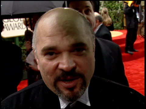 vidéos et rushes de anthony minghella at the 2000 golden globe awards at the beverly hilton in beverly hills, california on january 23, 2000. - anthony minghella