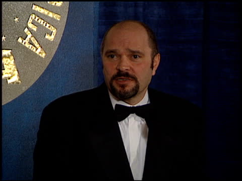 vidéos et rushes de anthony minghella at the directors guild awards press room at the century plaza hotel in century city, california on march 8, 1997. - anthony minghella