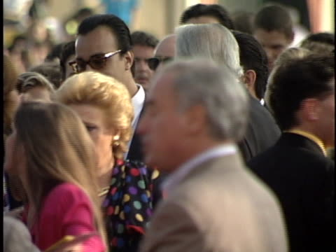 vidéos et rushes de anthony quinn at the last action hero premiere at westwood in westwood, ca. - westwood