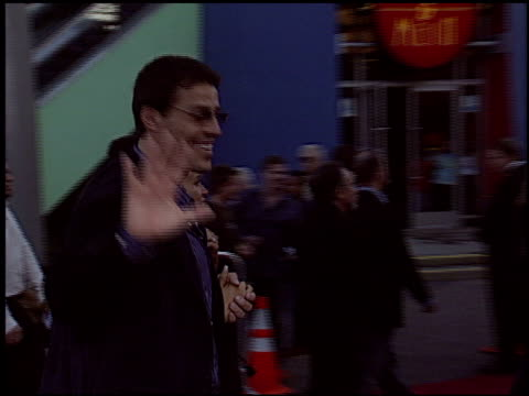 anthony robbins at the 'cinderella man' premiere at gibson amphitheatre in universal city, california on may 23, 2005. - gibson amphitheatre stock-videos und b-roll-filmmaterial
