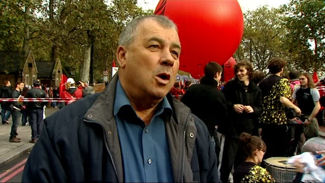 anti-austerity march: general views; brendan barber interview sot / - 労働組合会議点の映像素材/bロール