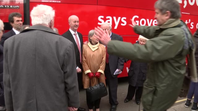 antibrexit bus launched ext people opposing brexit posing in front of bus including lord andrew adonis green party coleader caroline lucas mp liberal... - tom green stock-videos und b-roll-filmmaterial