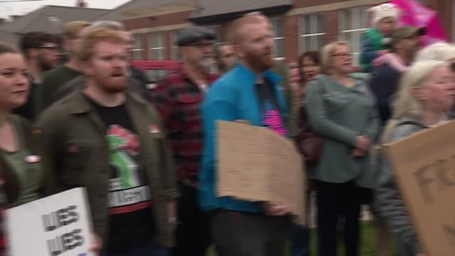Antifracking and proEU demonstrators in Tynemouth