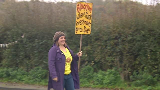 anti-fracking protesters in lancashire - protesta anti fracking video stock e b–roll