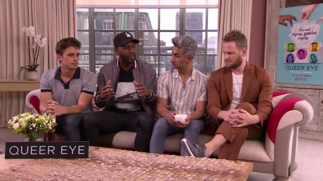 vídeos de stock, filmes e b-roll de antoni porowski, karamo brown, tan france, bobby berk discuss the new season of their netflix show, queer eye. season 2 is on netflix from june 15th. - karamo brown