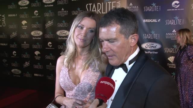 stockvideo's en b-roll-footage met antonio banderas and nicole kimpel attend the starlite festival in marbella - gala
