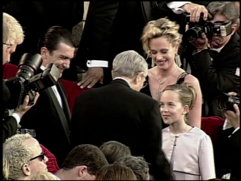 antonio banderas at the 2000 academy awards at the shrine auditorium in los angeles, california on march 26, 2000. - 第72回アカデミー賞点の映像素材/bロール