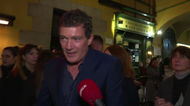 Antonio Banderas Attends Dolor y Gloria Pedro Almodovar´s Film Premiere After Party and takes pictures with fans before getting in