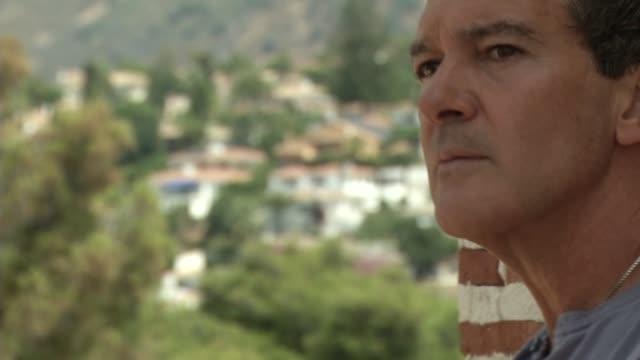antonio banderas celebrates 20 years of his fragances - antonio banderas video stock e b–roll