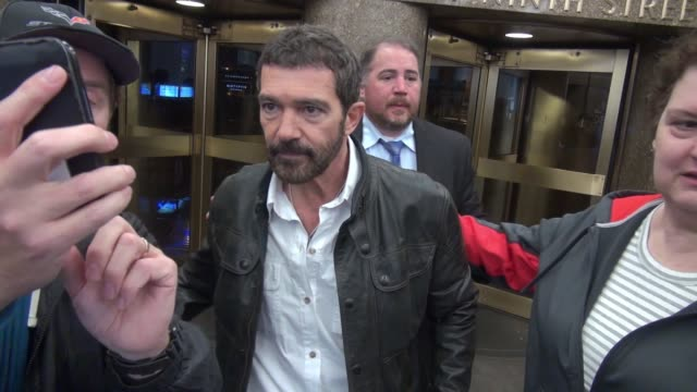 Antonio Banderas leaving NBC Studios signs for fans in New York City on November 02 2015 in New York City