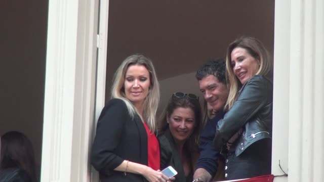 antonio banderas with nicole kimpel at the balcony for the tuesday holy week processions - holy week stock videos & royalty-free footage