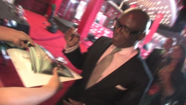 vídeos y material grabado en eventos de stock de antonio reid at 'the x factor' world premiere at the arclight cinerama dome in hollywood on 9/14/2011 - cinerama dome hollywood