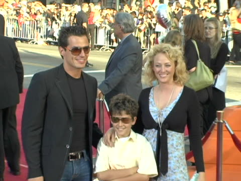 antonio sabato jr., virginia madsen, and their son at the fan screening of war of the worlds at graumans chinese theatre in los angeles, ca. - antonio sabato jr. stock videos & royalty-free footage