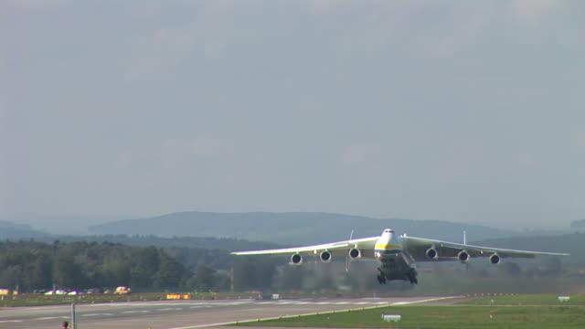 antonov an-225 - cargo aeroplane stock videos & royalty-free footage