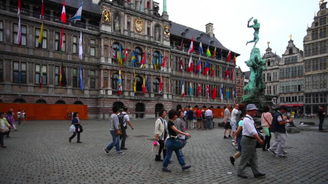 Antwerp City Hall and the Grote Markt (Great Market Square) with the Brabo Fountain