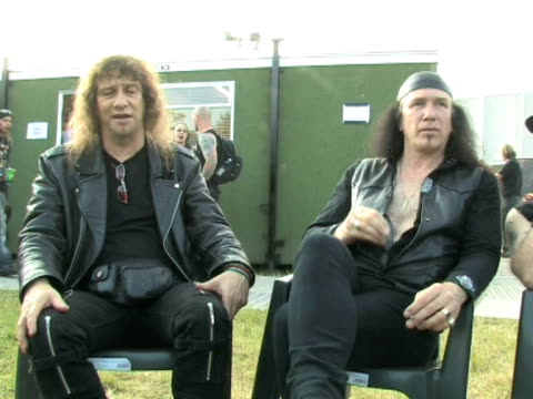 vídeos de stock e filmes b-roll de anvil - lips on how the live music experience compares to a recording at the download festival 2009 at derby england. - boca humana