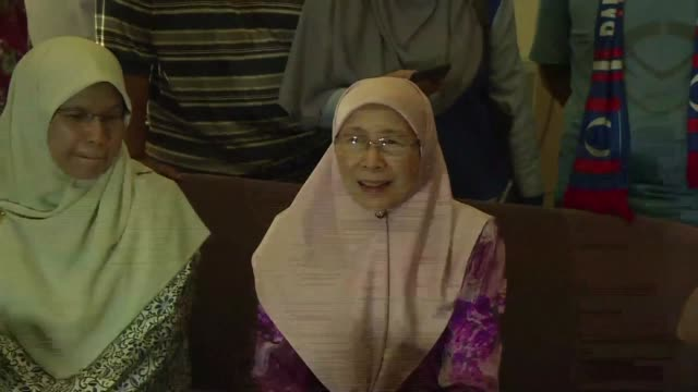 Anwar Ibrahim's wife Wan Azizah Wan Ismail says the Malaysian king's pardon of the jailed politician is very important for him to actively...