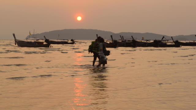 ao nang beach, krabi, thailand - クラビ県点の映像素材/bロール