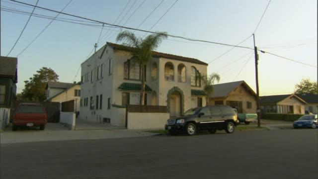 stockvideo's en b-roll-footage met ms, zip, apartment building, los angeles, california, usa - waaierpalm