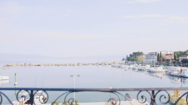 vidéos et rushes de appartement ws au bord de la mer - croatie