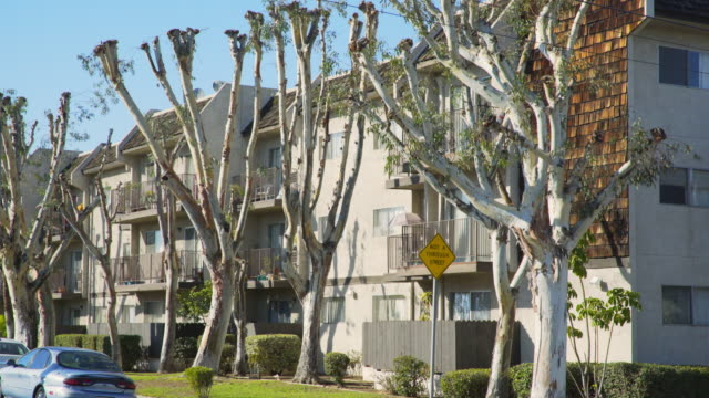 apartment complex east los angeles - day - complexity stock videos & royalty-free footage