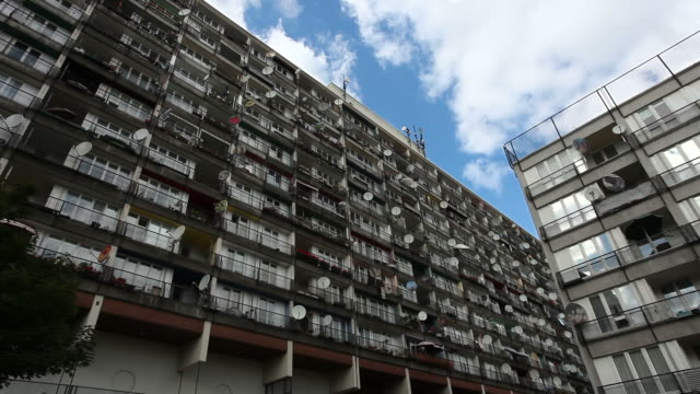 apartments in a poor district  - time lapse - balkon stock videos & royalty-free footage