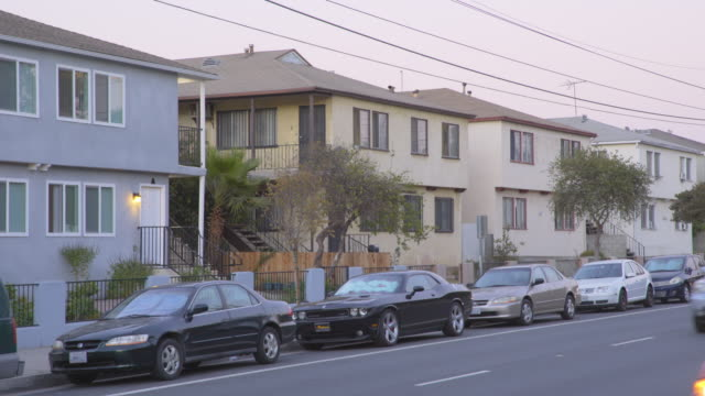 apartments in east los angeles - day - stationary点の映像素材/bロール