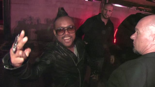 stockvideo's en b-roll-footage met apldeap at the black eyed peas experience launch party in hollywood 11/21/11 - apl.de.ap