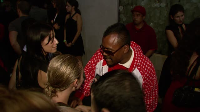 stockvideo's en b-roll-footage met apldeap at the the inspi event at mood in los angeles california on july 30 2007 - apl.de.ap