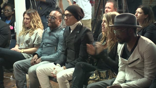 stockvideo's en b-roll-footage met apldeap taboo fergie and william of the black eyed peas at the black eyed peas at the peapod adobe youth voices academy launch at urban arts... - apl.de.ap
