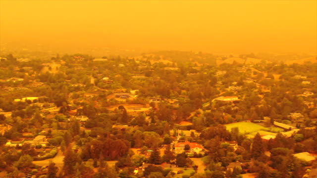 apocalyptic orange sky over the san francisco bay area on 09.09.2020 due to wildfires in california and oregon - san jose california stock videos & royalty-free footage