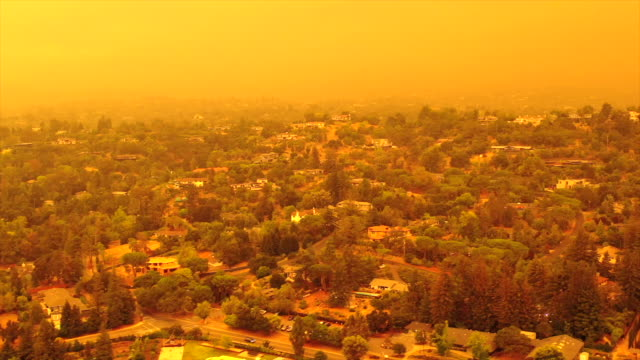 apocalyptic orange sky over the san francisco bay area on 09.09.2020 due to wildfires in california and oregon - california stock videos & royalty-free footage