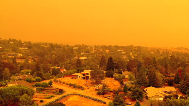 apocalyptic orange sky over the san francisco bay area on 09.09.2020 due to wildfires in california and oregon - northern california stock videos & royalty-free footage