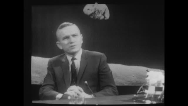vídeos de stock, filmes e b-roll de apollo 8 astronaut frank borman visits london interview england london itn studio reginald bosanquet introduction cms cs frank borman sof 'this was... - 1969