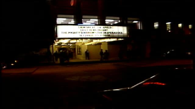 apollo theater marquee in harlem - biografskylt bildbanksvideor och videomaterial från bakom kulisserna