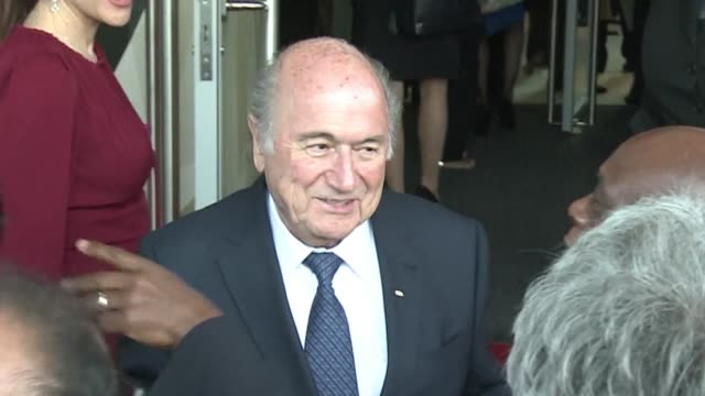 vídeos y material grabado en eventos de stock de appeals committee has reduced the bans against sepp blatter and michel platini from eight to six years but agreed with a previous ruling that both... - queja