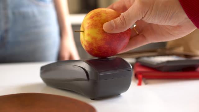 vidéos et rushes de rémunération apple - origine ethnique