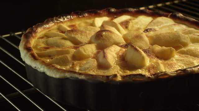 apple tart in oven - tart dessert stock videos & royalty-free footage