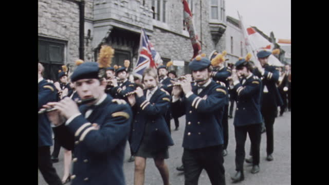 apprentice boys parade commemorating the siege of derry in londonderry, northern ireland; 1969. - religion stock videos & royalty-free footage
